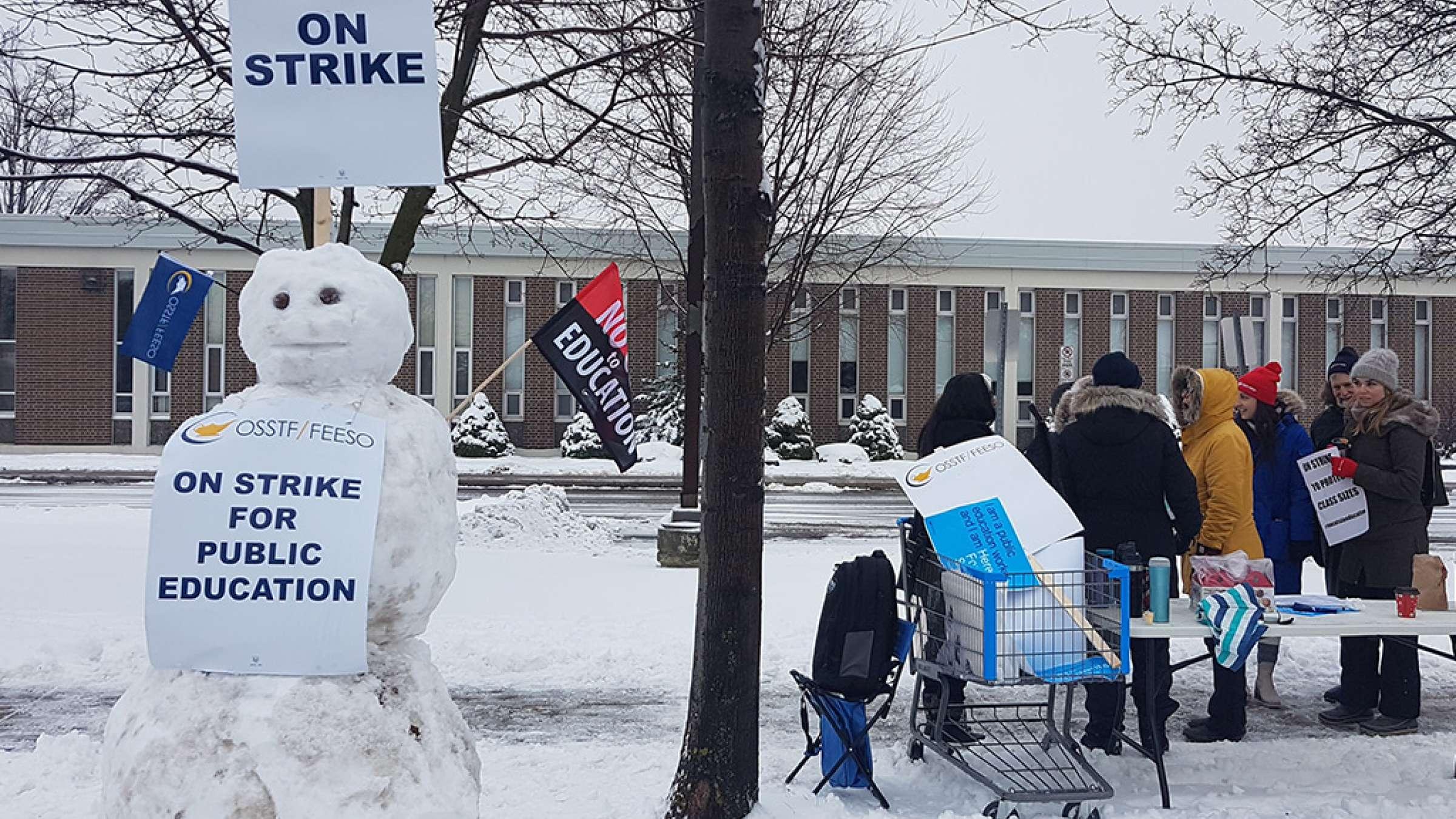 اخبار-تورنتو-آغاز-اعتصابات-یکروزه-دبیرستانهای-انتاریو-ریچموندهیل