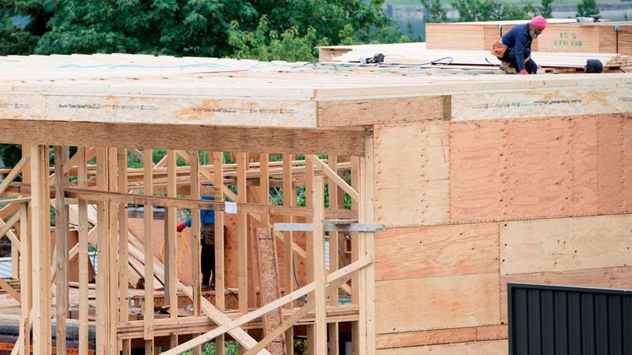 اخبار-تورنتو-ساختوساز-خانههای-جدید-در-تورنتو-بالا-گرفت-نرخ-بهره-ثابت-ماند