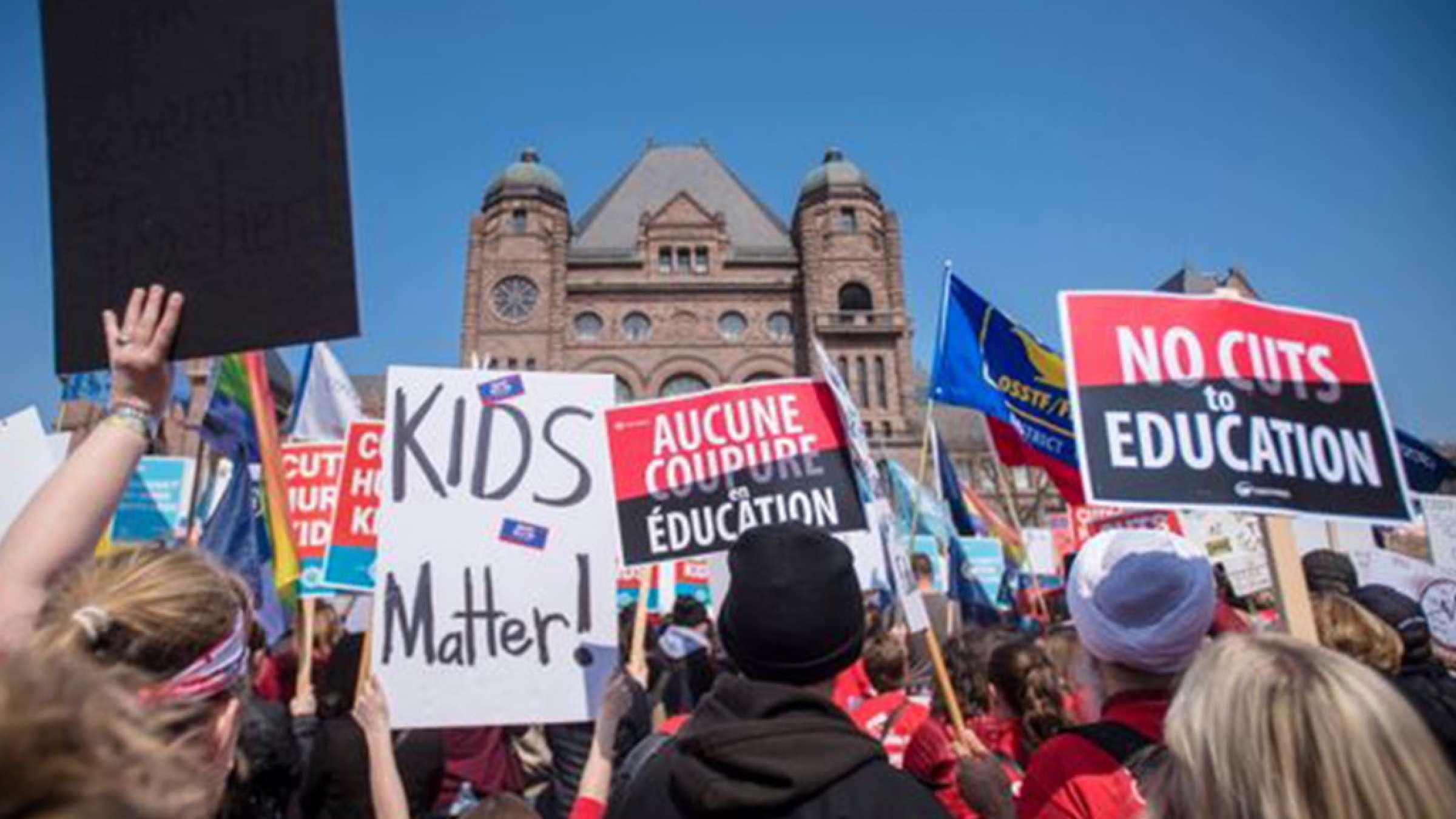 اخبار-تورنتو-معلمان-انتاریو-اعتصاب-میکنند