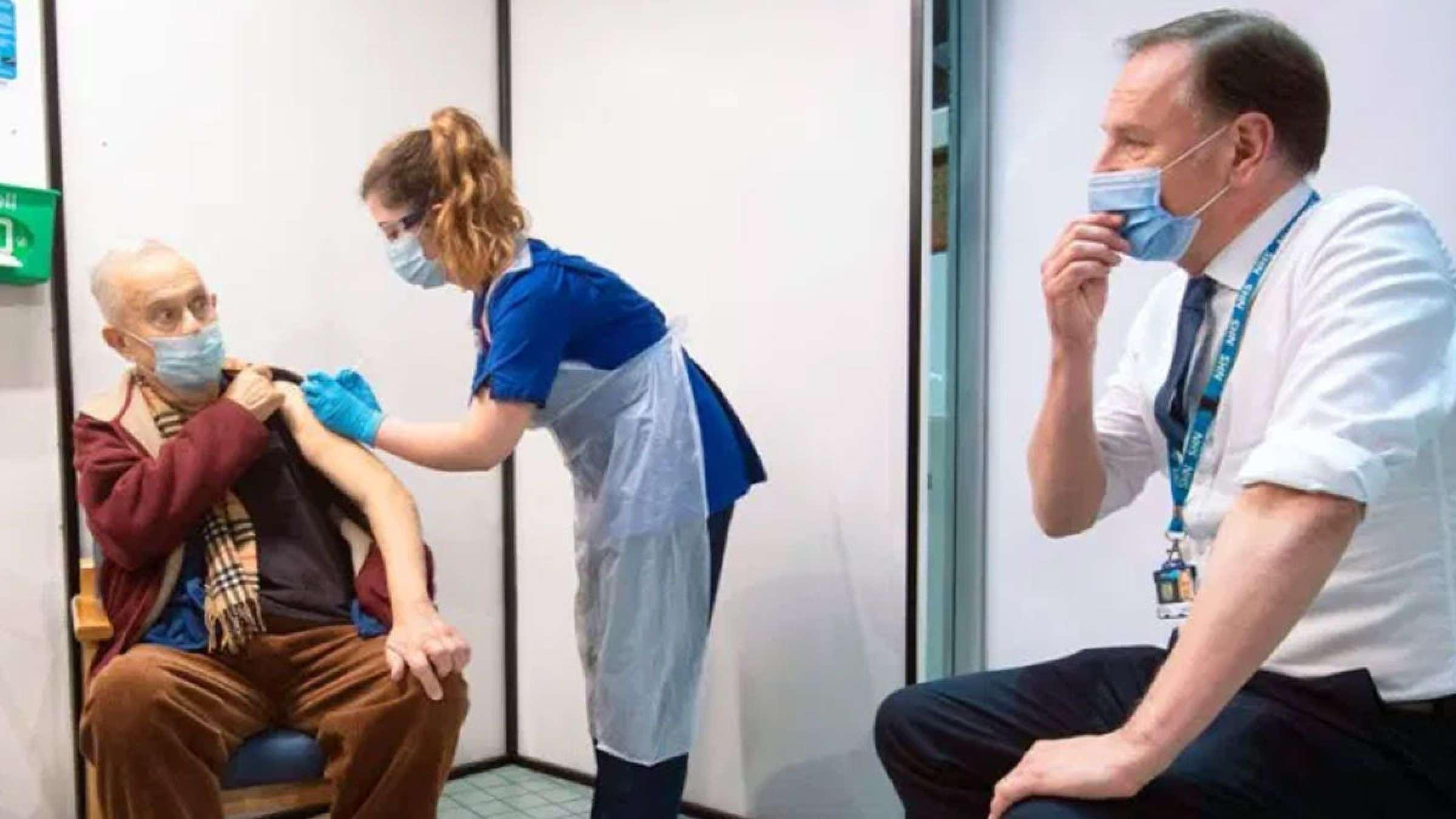 اخبار-کانادا-ترودو-واکسن-زدن-اجباری-نیست-اما-آیا-رئیس-شما-استان-یا-دنیا-می-تواند-شما-را-مجبور-کند-واکسن-بزنید
