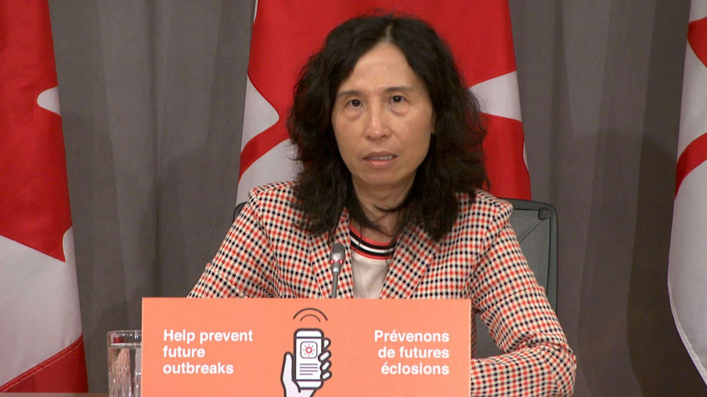 اخبار-کانادا-مدیر-ارشد-بهداشت-کانادا-ماسک-و-فاصله-اجتماعی-پس-از-واکسن-نیز-تا-۲-یا-۳-سال-آینده-با-ماست