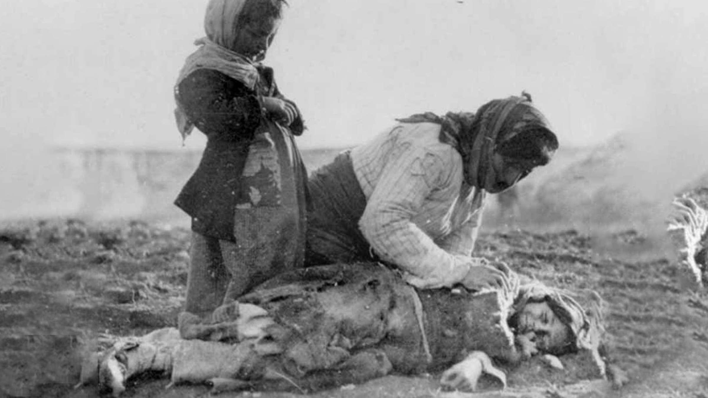 ادبیات-گلمحمدی-قحطی-بزرگ-در-ایران-نسلکشی-ده-میلیون-ایرانی