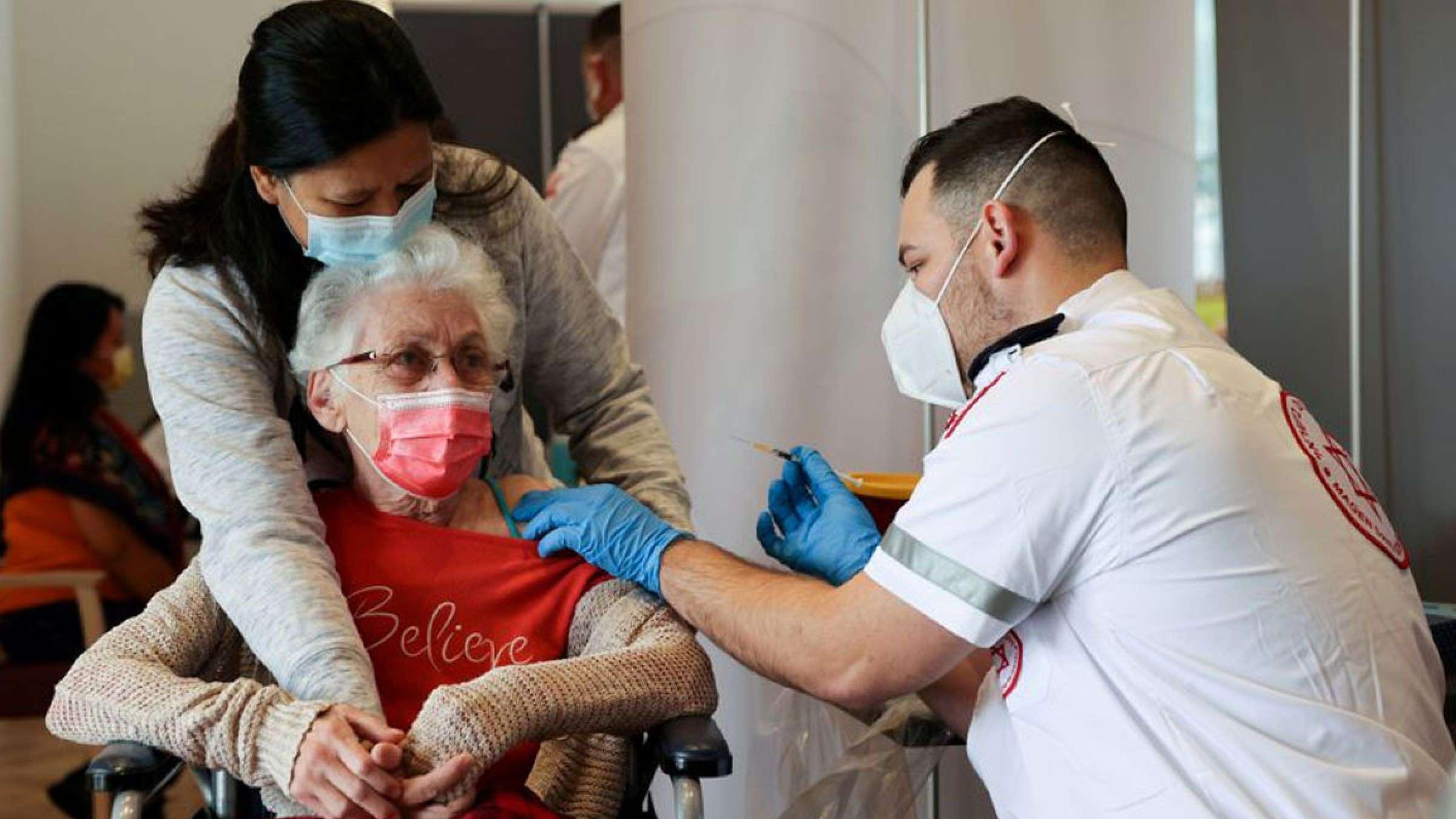 خبر-جهان-فایزر-همه-سریعا-دوز-سوم-واکسن-بزنند-اسرائیل-دلتا-فایزر-شدیدا-بیمار-کرده