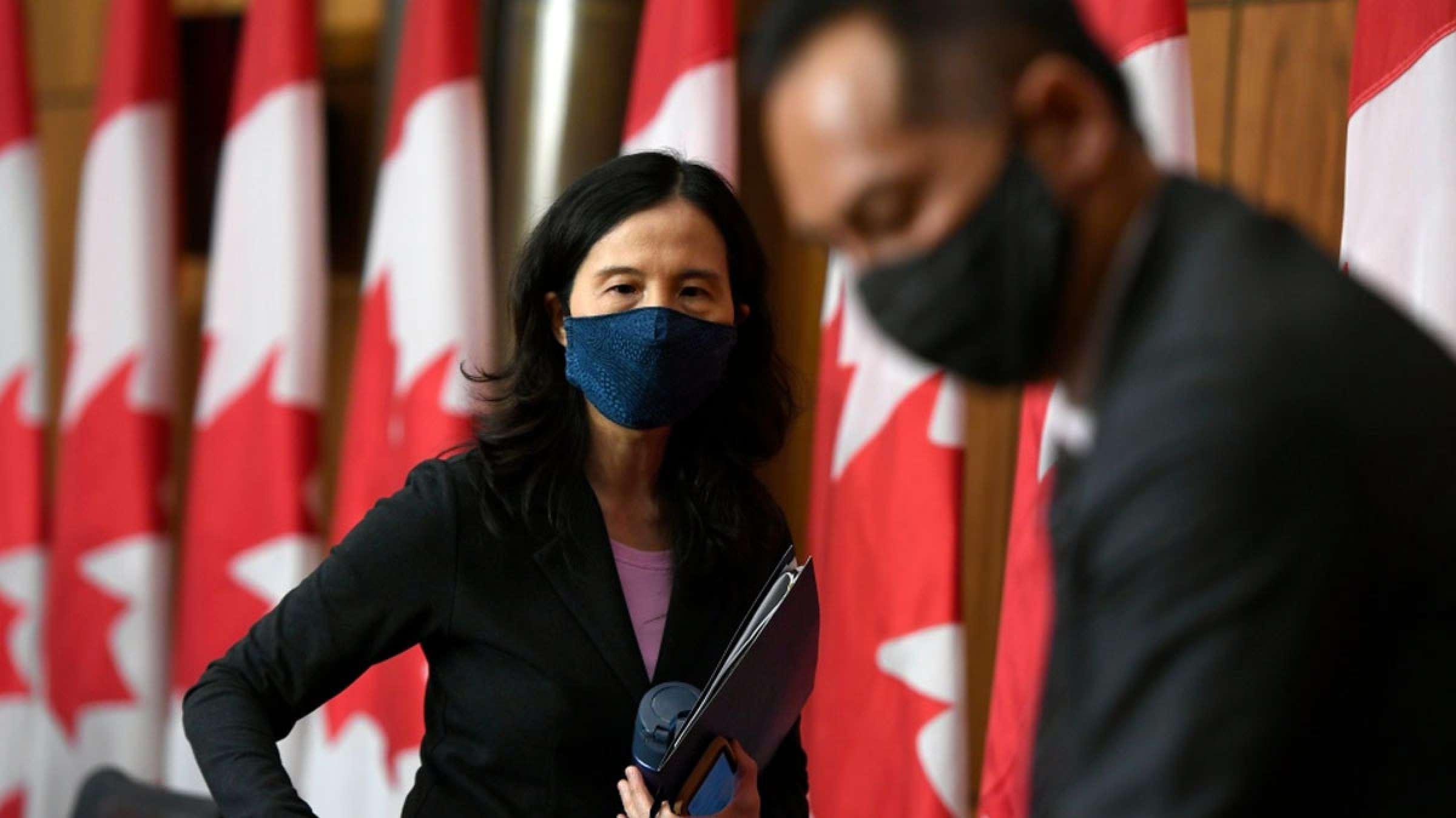 خبر-کانادا-دکتر-تام-دلتا-موج-چهارم-کرونا-آمریکا-۷۴-کرونایی-دو-دوز-واکسن-زده-اند