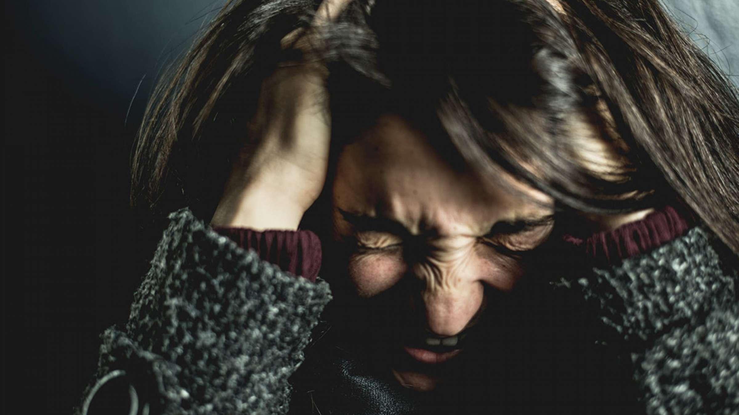 روانشناسی-ادیب-راد-فروپاشی-عصبی-چیست
