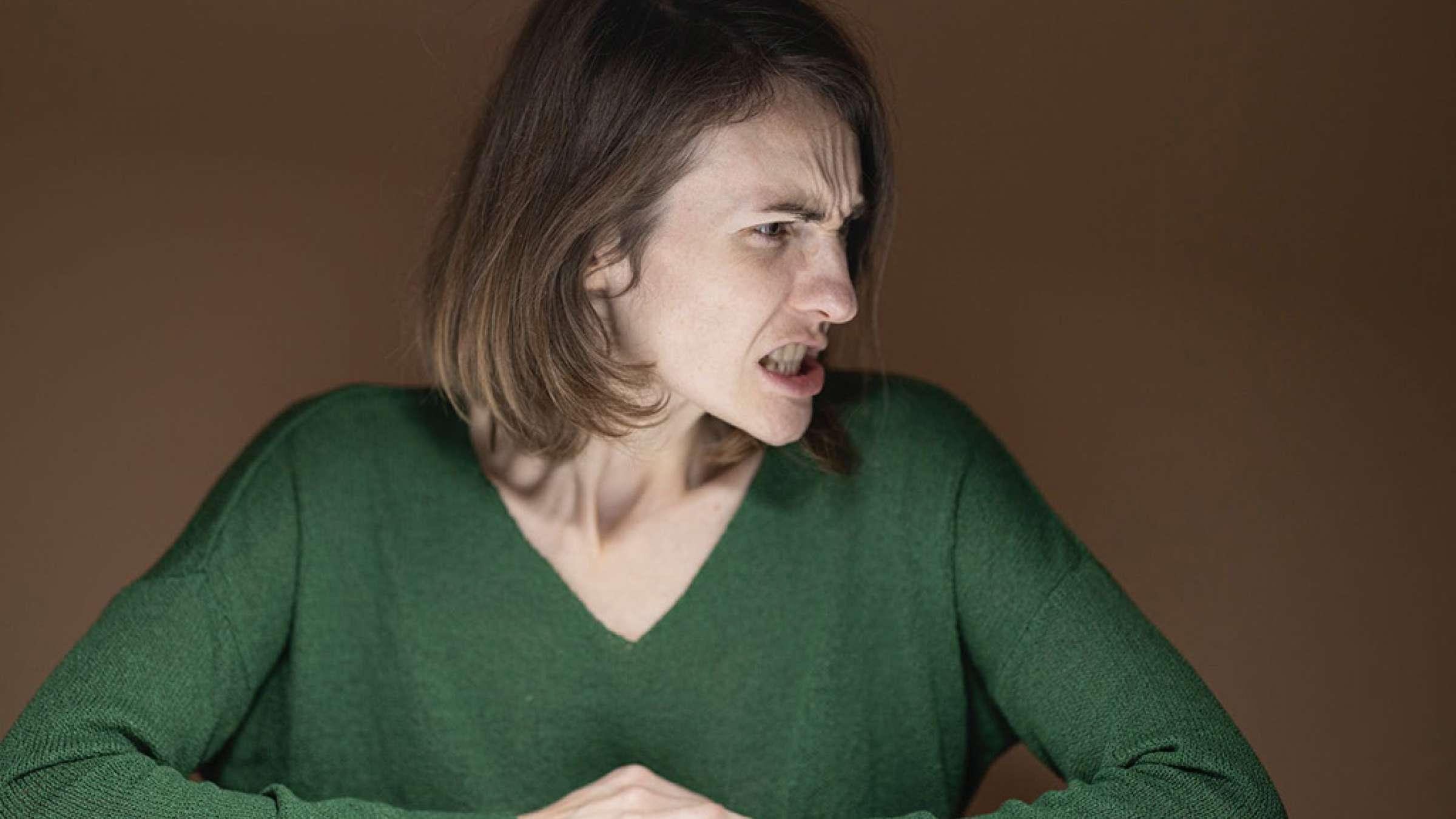 روانشناسی-داعی-شما-نمی-توانید-همسر-عصبانی-تان-را-اصلاح-نمائید