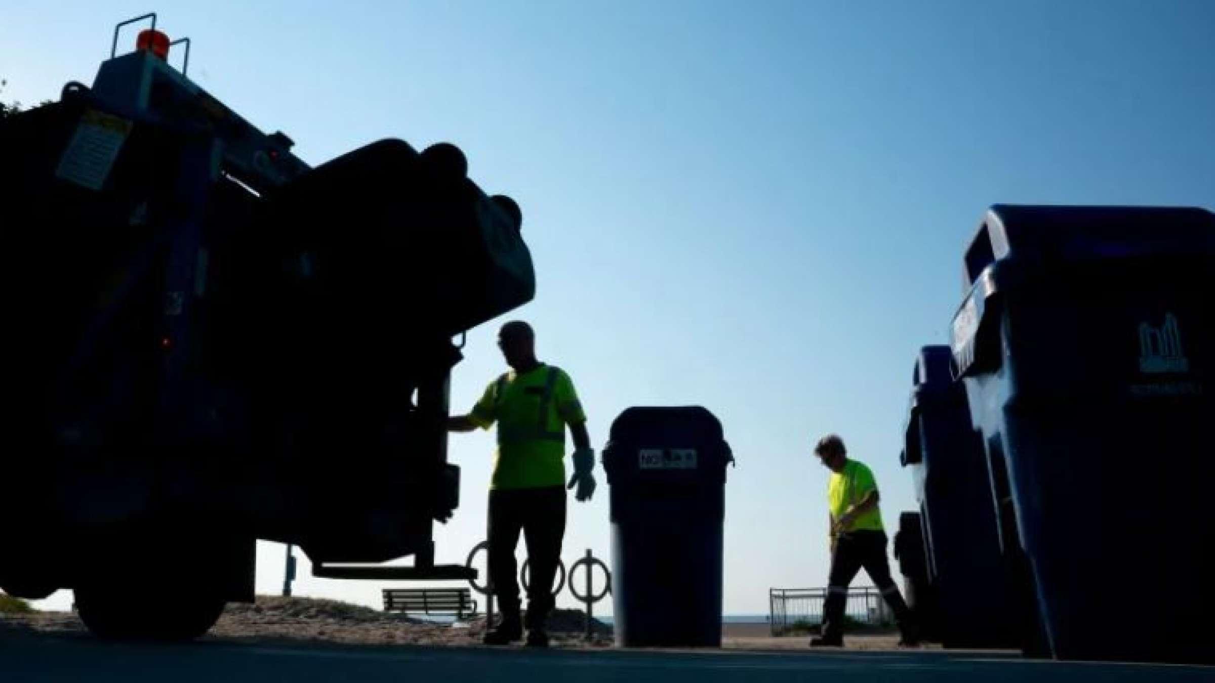قانون-جدید-محل-دفن-زباله-در-اونتاریو-چه-می-گوید-چالش-های-قانون-جدید-محل-دفن- زباله-در-اونتاریو-چیست-این-قانون-چه-مشکلی-برای-تورنتو-ایجاد-می-کند