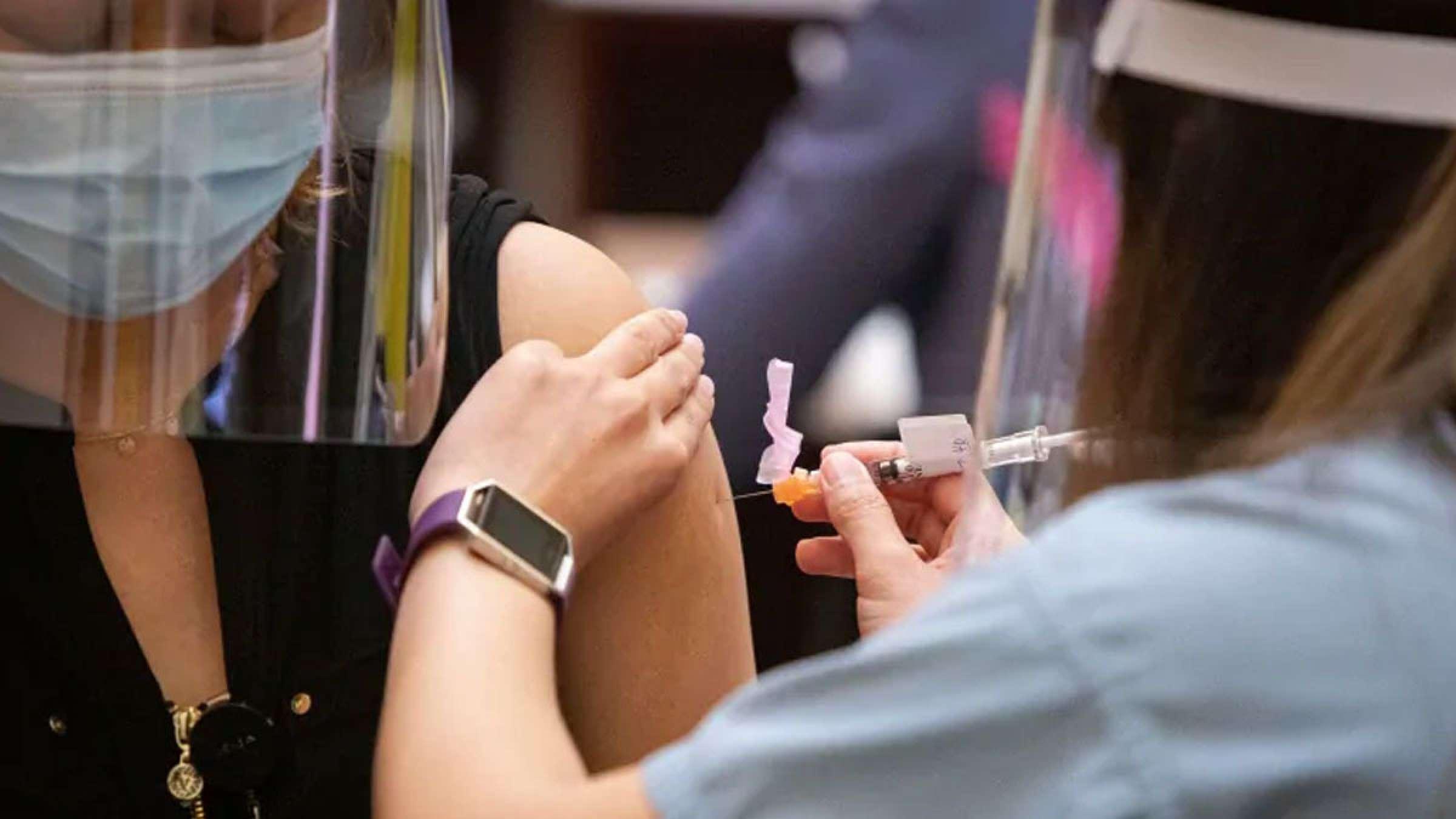 مطلب-پزشکی-برای-مصونیت-واکسن-زدن-بهتر-است-یا-گرفتن-کرونا