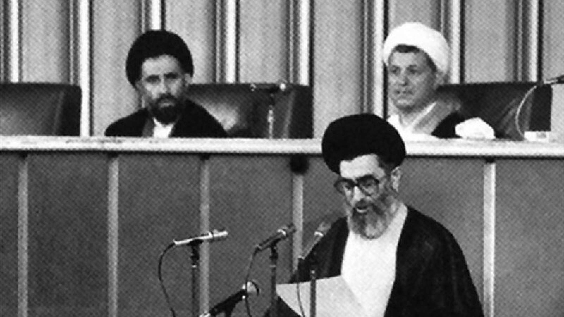 کمرنگ-کردن-نقش-رفسنجانی-در-انتخاب-خامنه ای-به-عنوان-رهبر-جمهوری-اسلامی