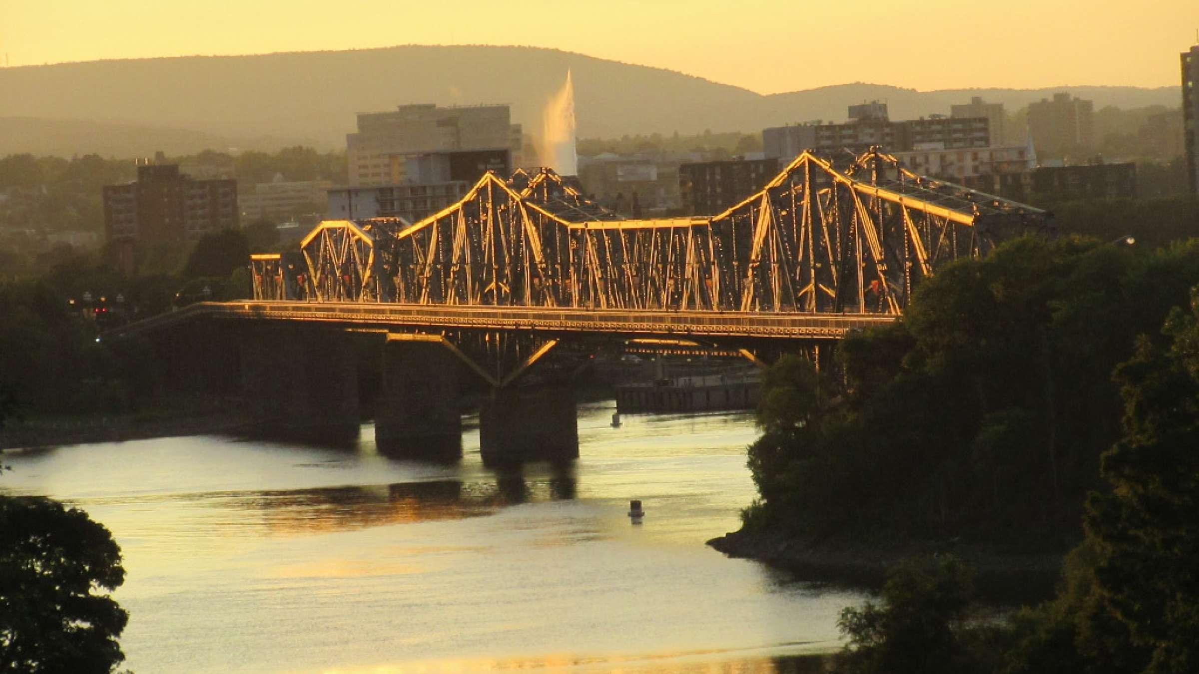 golmohammadi-ottawa-bridge