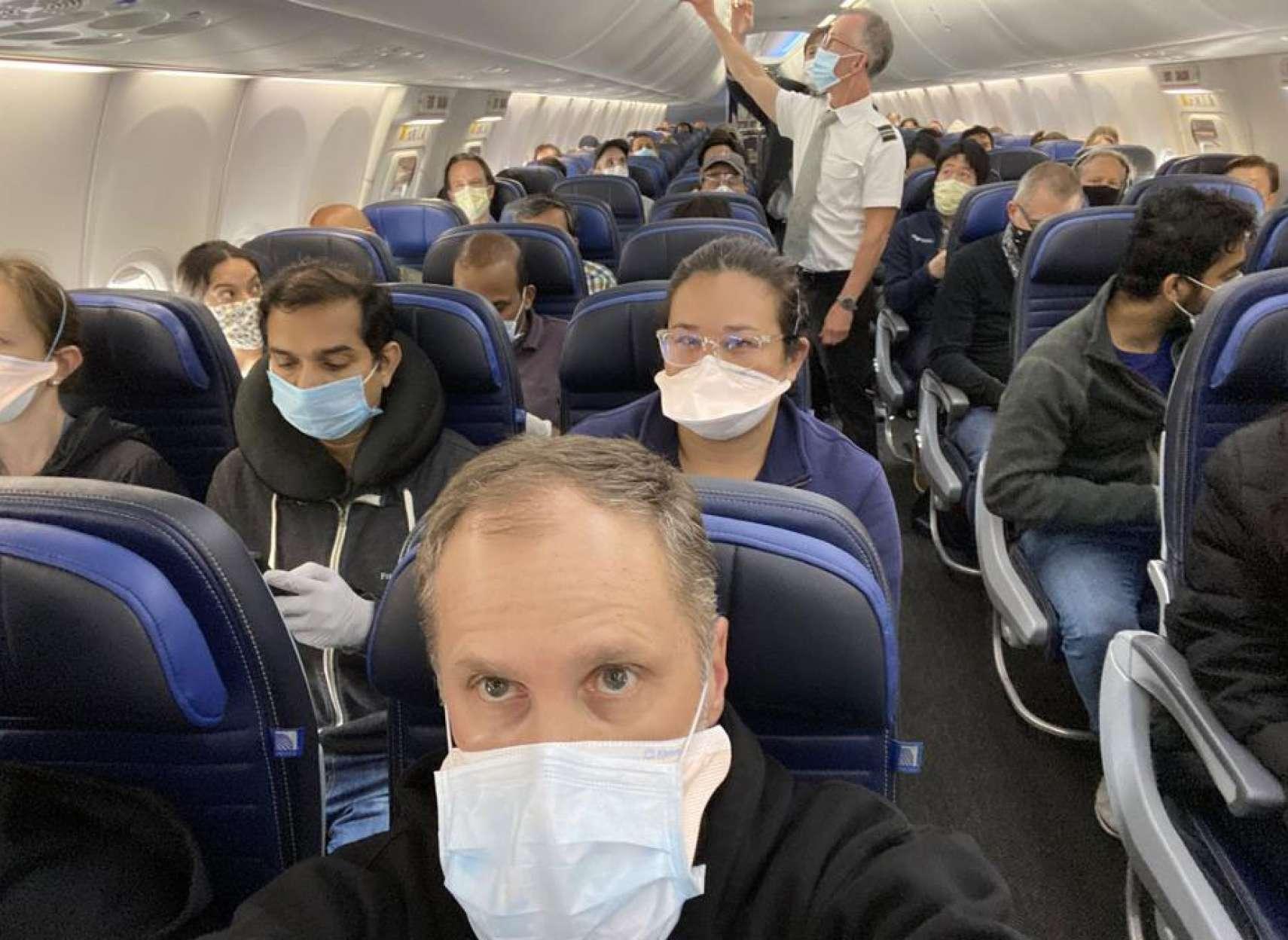 اخبار-آمریکا-مرگ-یک-مسافر-در-پرواز-هواپیمایی-آمریکا-احتمالا-کرونا-داشت