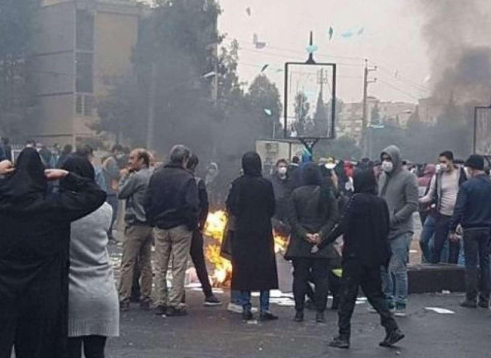 اخبار-ایران-کوتاه-و-کامل-افزایش-قیمت-بنزین-در-ایران