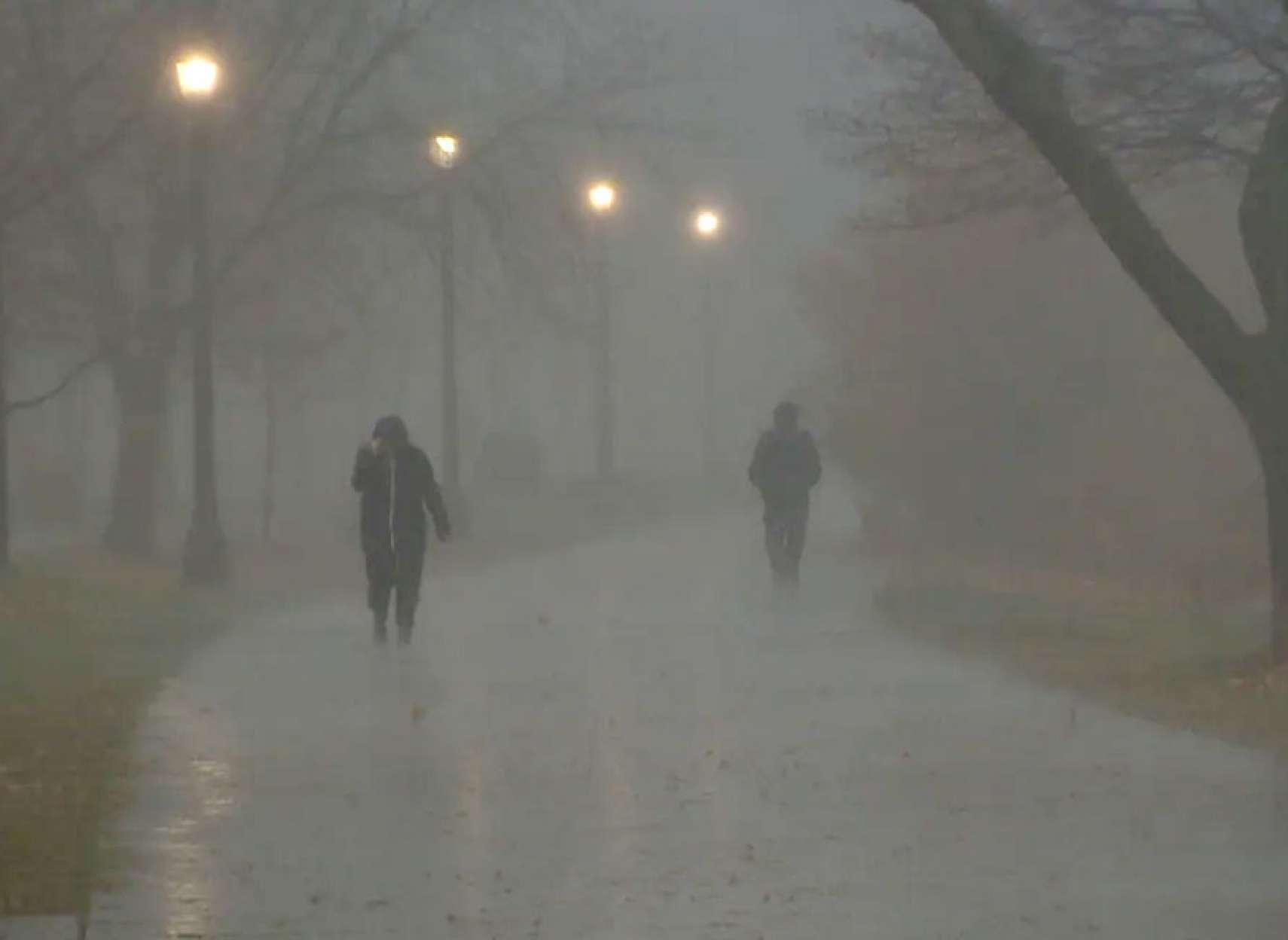 اخبار-تورنتو-باد-شدید-و-قطعی-برق-در-تورنتو-و-مونترال-۲۵-سانت-برف-در-کبک