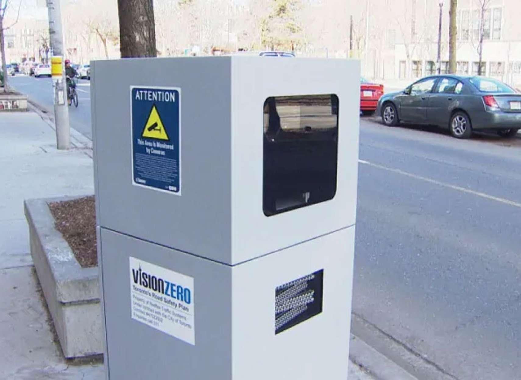 اخبار-تورنتو-دوربین-های-گرانقیمت-جریمه-کننده-پلیس-با-۵۳-هزار-جریمه-تورنتویی-ها-را-نقره-داغ-کردند