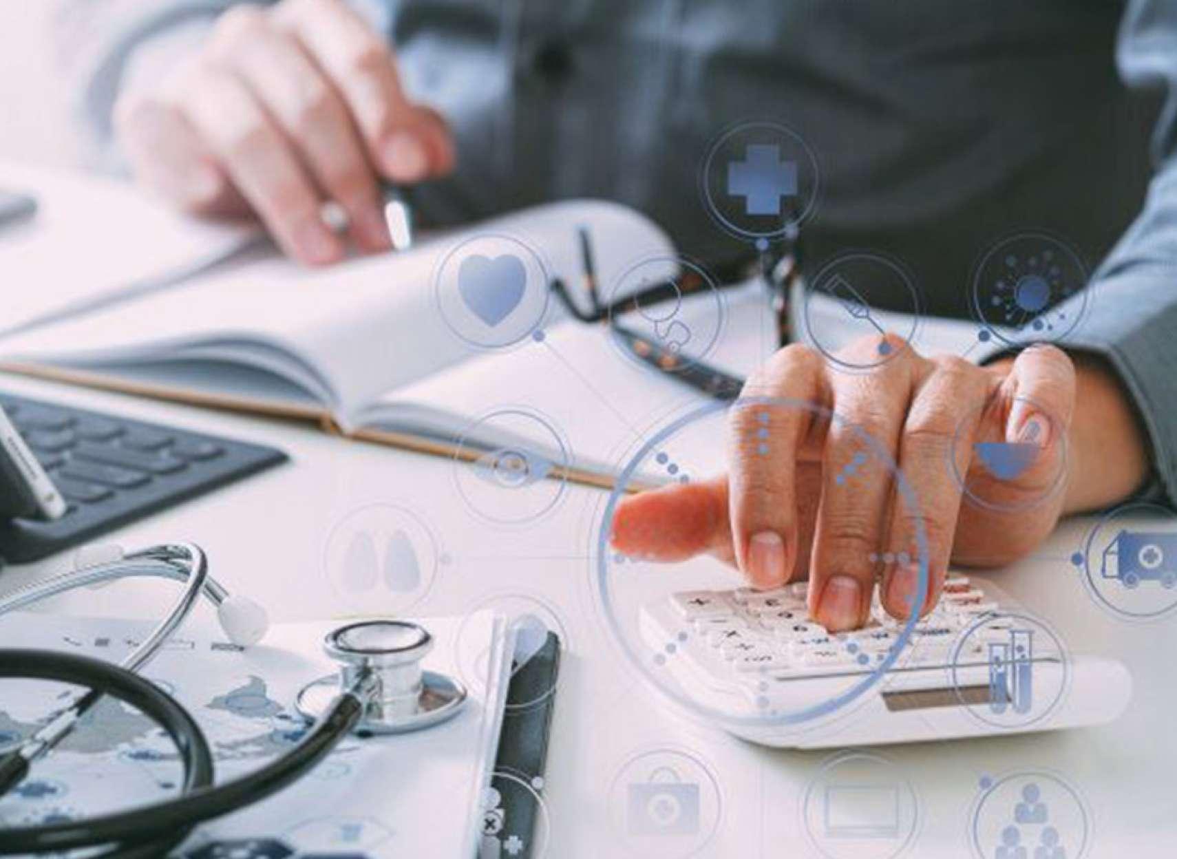اخبار-تورنتو-پزشکان-برای-دیدن-بیماران-در-تورنتو-چقدر-پول-میگیرند