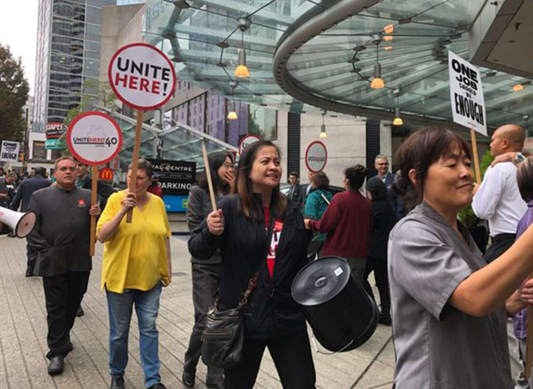 اخبار-کانادا-اعتصاب-کارگران-1000-هتل-لوکس-در-ونکوور