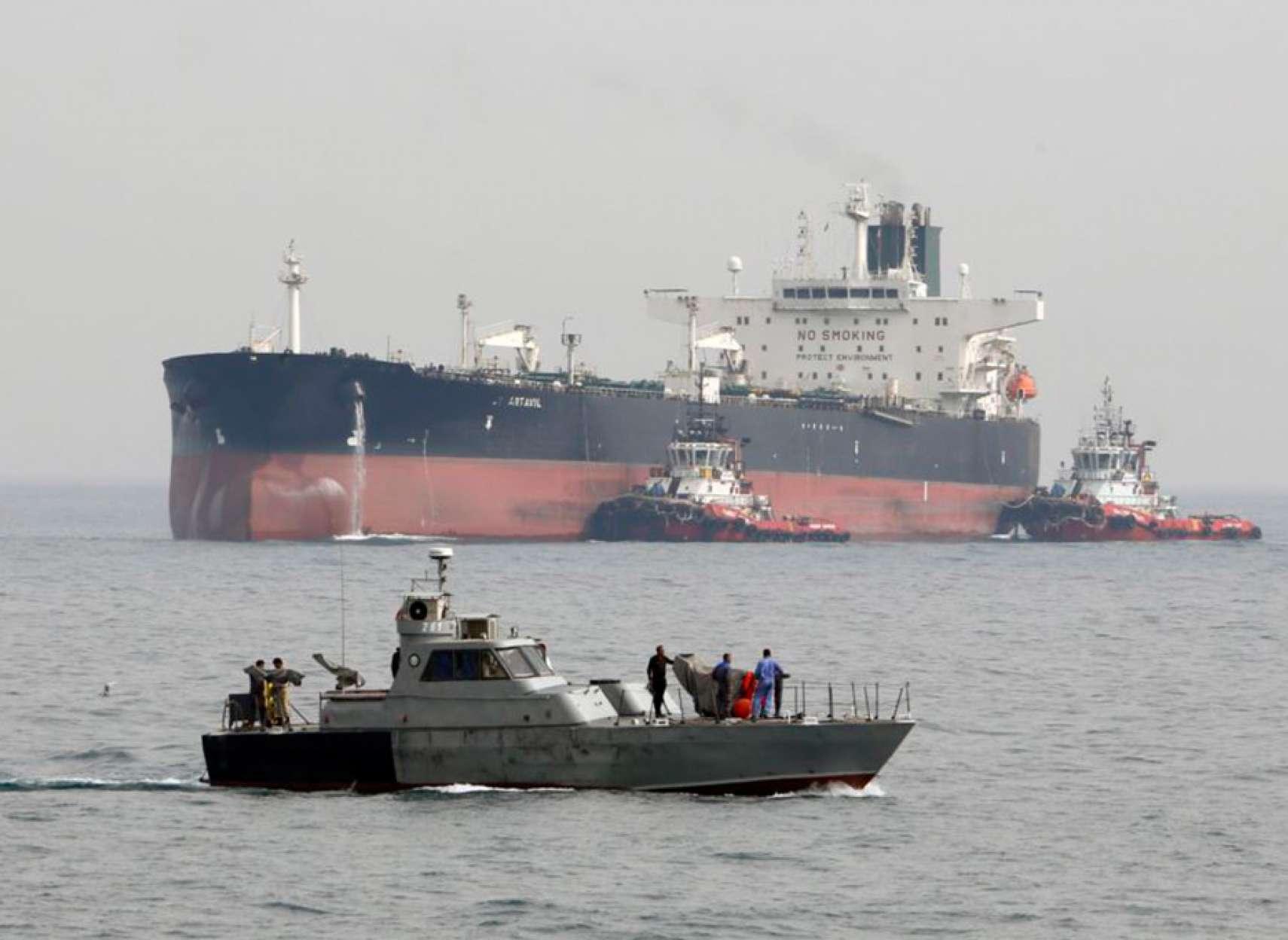 اقتصاد-تنباکویی-سقوط-صادرات-نفت-ایران-به-۱۰۰-هزار-بشکه-در-روز