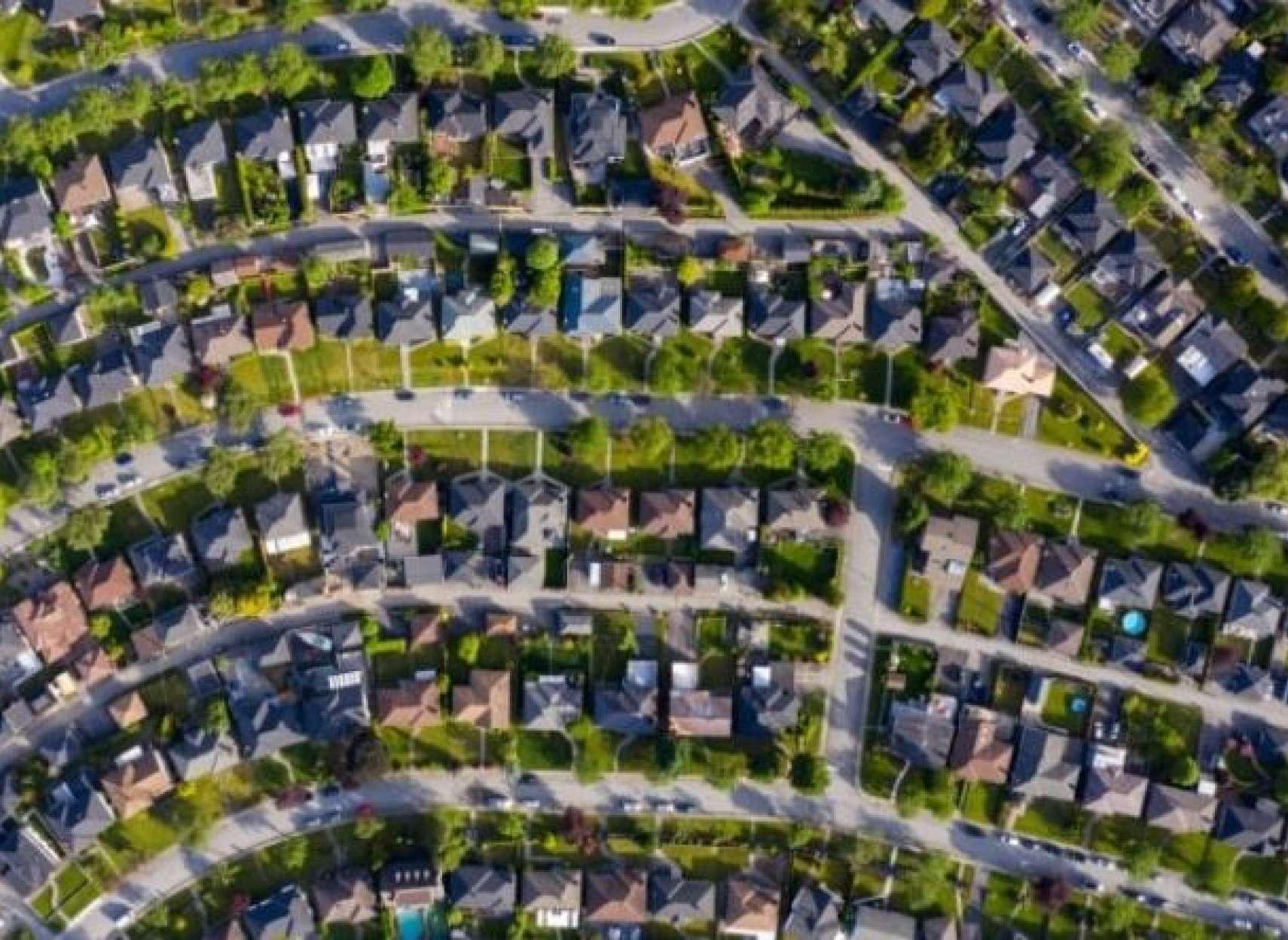 رکوردهای-بازار-فروش-مسکن-در-کانادا-شکسته-شد-چرا-بازار-مسکن-داغ-شده-و-آیا-این-روند-تداوم-دارد