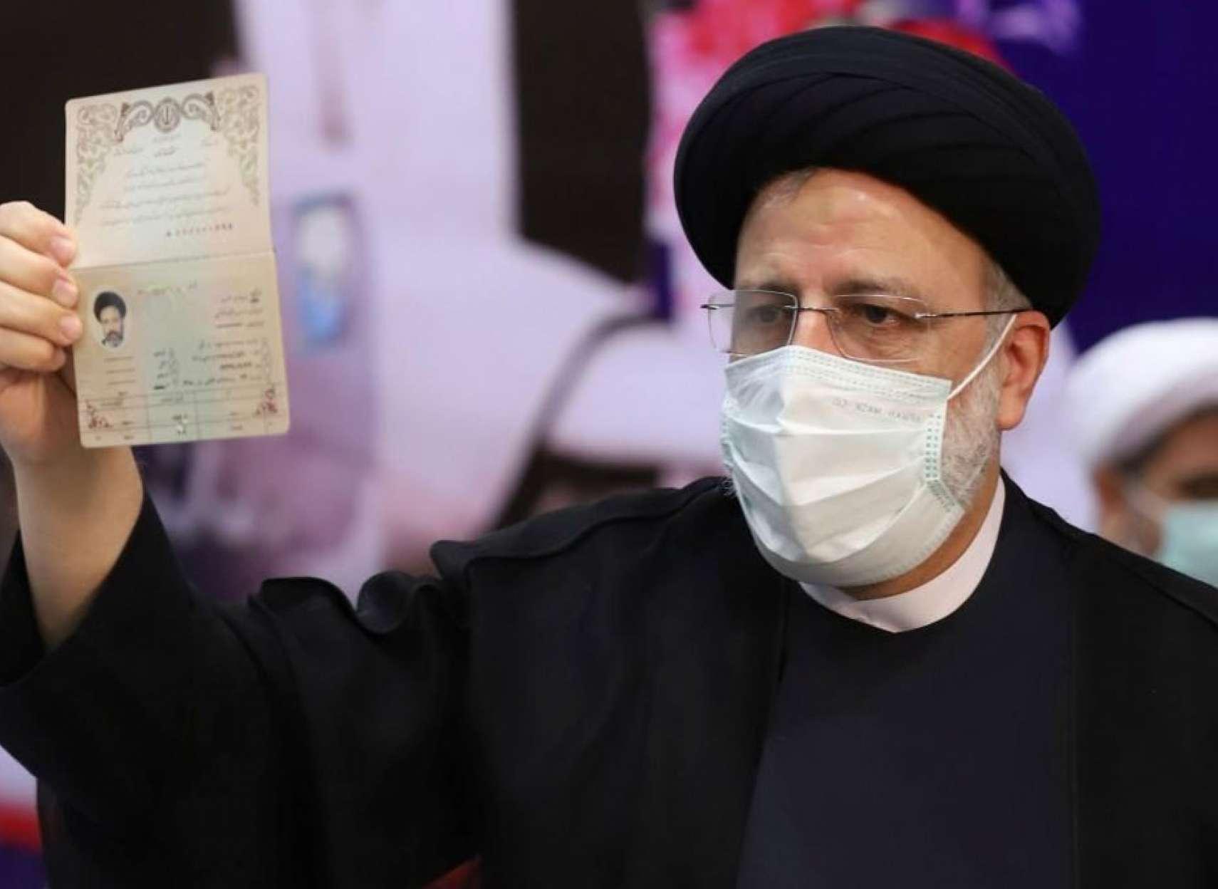 تحلیل آینده با نیروهای کنونی: آیا ریزش مردمی در ایران به ظهور رادیکالی در رادیکال میانجامد؟