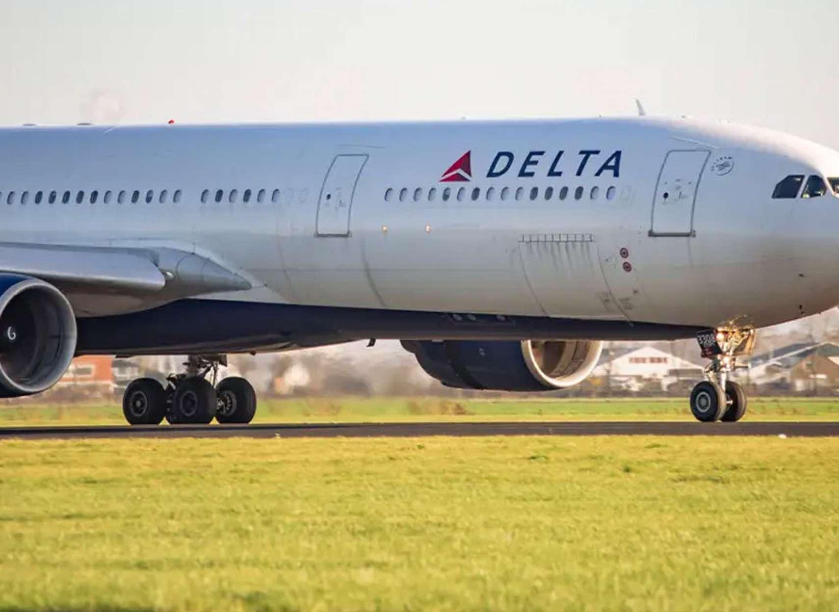 خبر-جهان-هواپیمایی-دلتا-۱۸-دختر-یهودی-تندرو-آمریکایی-را-بعلت-عدم-رعایت-موازین-کرونا-سوار-نکرد