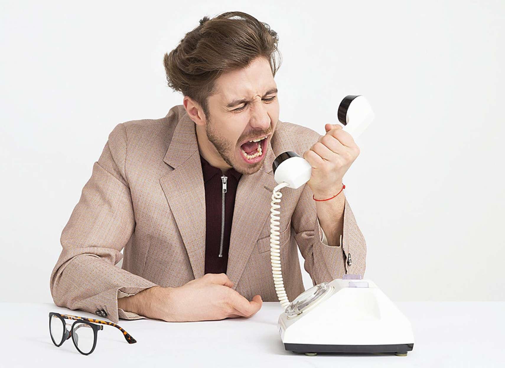 روانشناسی-داعی-زنان-در-برابر-شوهران-عصبانی-چه-کنند