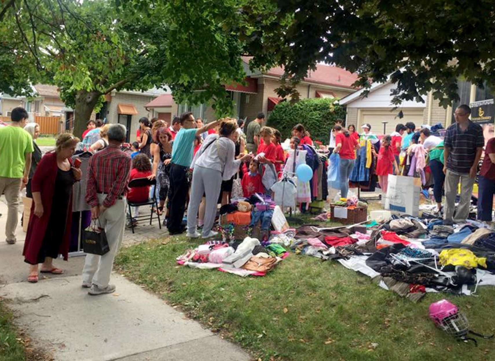 community-shole-khalili-garage-sale