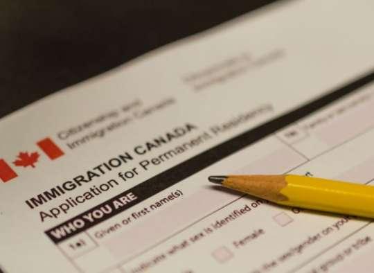 بازداشت-یک-باند-بزرگ-ایرانی-کلاهبرداری-مهاجرت-به-کانادا-تدبیر-دولت-کانادا-درباره- کلاهبرداران- امور-مهاجرت-چیست