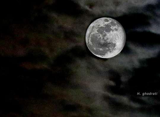 ابر و ماه